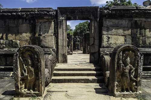 Explore Sri Lanka - Day 5 - Dambulla – Polonnaruwa