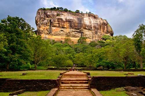 Treasures of Sri Lanka - Day 3 - Dambulla – Sigiriya – Minneriya – Dambulla